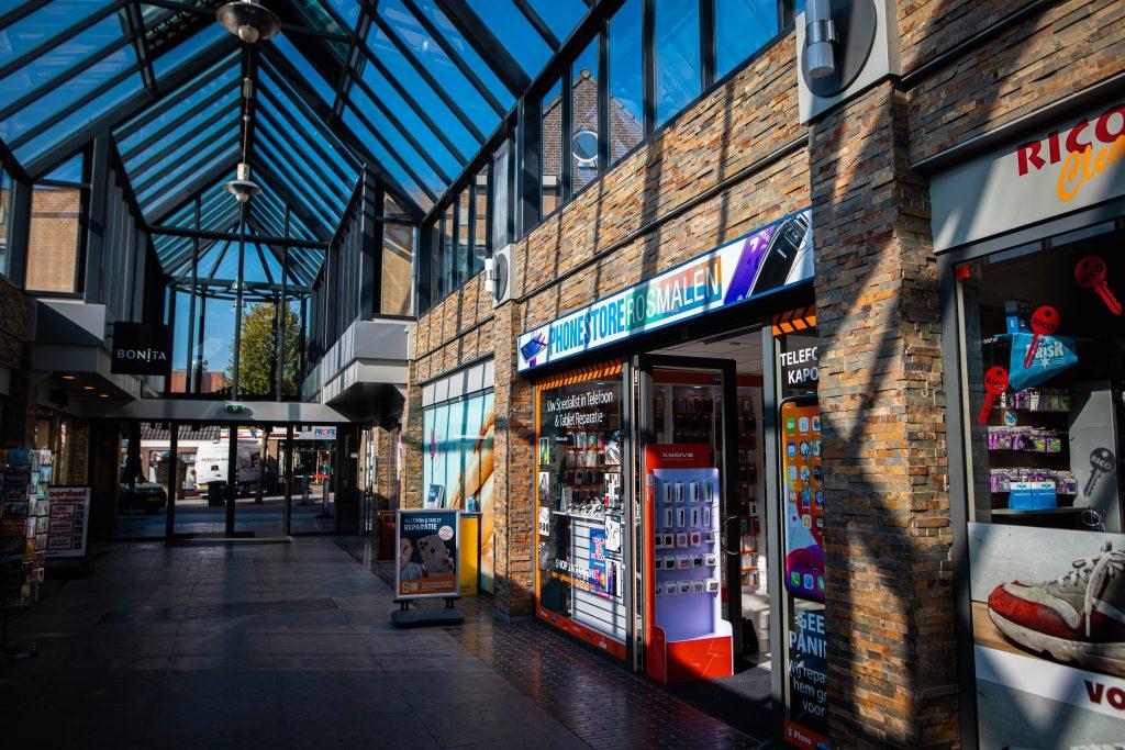 Telefoonwinkel rosmalen voorkant van de winkel